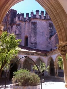 Charola through a Manueline arch