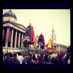 Three floats in front of National Gallery